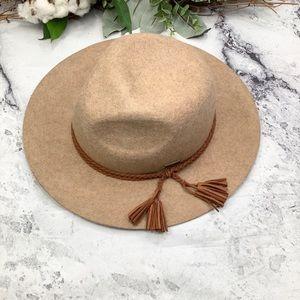 NWOT Adora wool tassels fedora hat One size